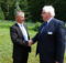 Jens Focke (li.) und Dr. Eugen Dempfle begrüßen die Partnerschaft. Foto: sig media