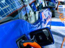 Deutschlandweit setzen immer mehr Autofahrer auf Elektrofahrzeuge. Wie das Branchenmagazin Heise mitteilt, haben sich die Absatzzahlen im Jahr 2018 um mehr als 36 Prozent gegenüber 2017 gesteigert. Das schlägt sich auch im Nutzerverhalten nieder. Foto: Pixabay