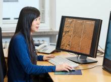 Prof. Xiaoxiang Zhu von der Fakultät für Luftfahrt, Raumfahrt und Geodäsie der TUM leitet das neue Forschungslabor. Foto. Technische Universität München